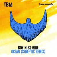Boy Kiss Girl Ocean