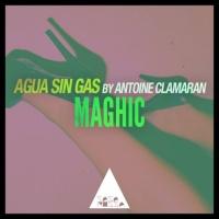 Agua Sin Gas by Antoine Clamaran Maghic